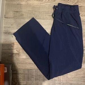 Size M Activate navy blue scrubs 4 pockets